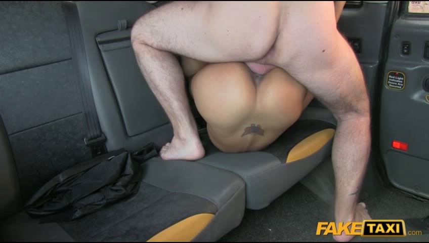 porno-video-v-taksi-feyk